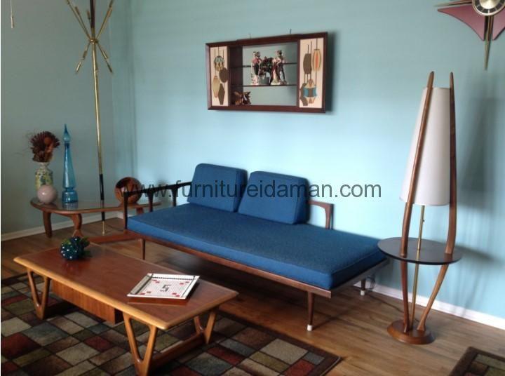 Kursi Tamu Minimalis Retro Klasik-Kursi tamu minimalis yang di buat dari kayu jati solid perhutani yang sdah terbukti kualitas kayunya dan kontruksi