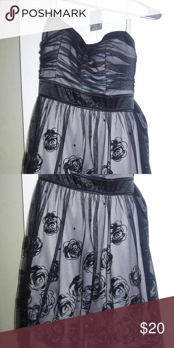 Special occasion dress Worn once for a black and white dance. Like new. Dresses Midi