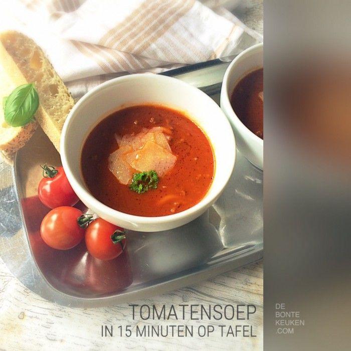 DeBonteKeuken: Snelle tomatensoep.  (Snel, makkelijk, home made, gezeefde tomaten, bouillon, soep, ui, knoflook, oregano, basilicum, verse kruiden, Italiaans, simpel, bijgerecht, voorgerecht, recept)