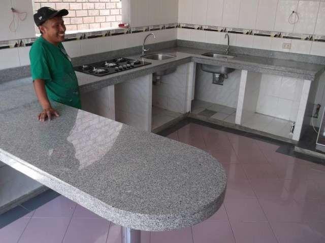 Fotos de cocinas empotradas granito marmol lima 1 ideias for Cocinas de marmol