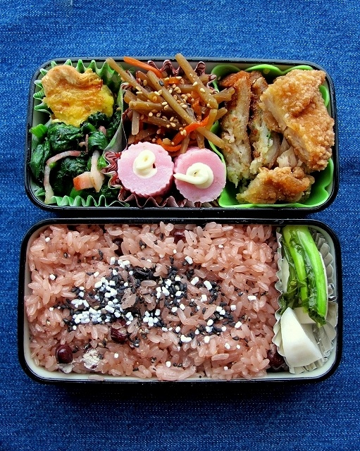 Red rice (azuki beans and mochi rice).  We cook this  for auspicious occasions. Bento box :) gonna make this