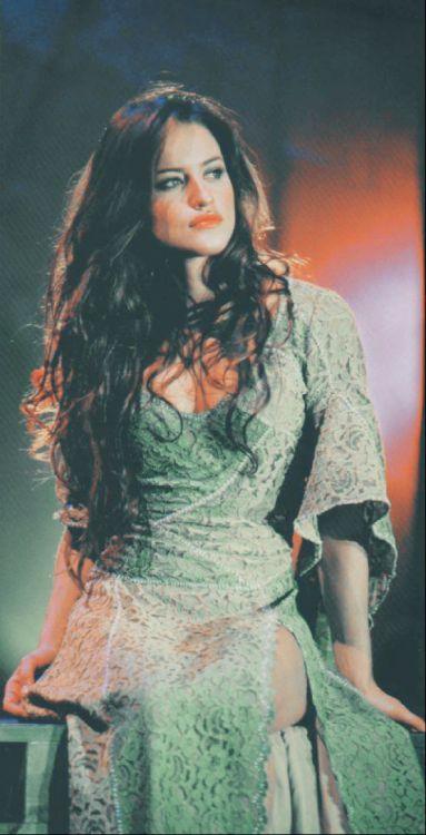 Promo picture of Lola Ponce as Esmeralda. (Italian production)
