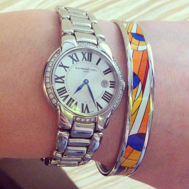 Все-таки часы и браслеты крайне гармонично смотрятся на запястье. #raymondweil #wristshot #hermes #lifestyle #часы #браслеты