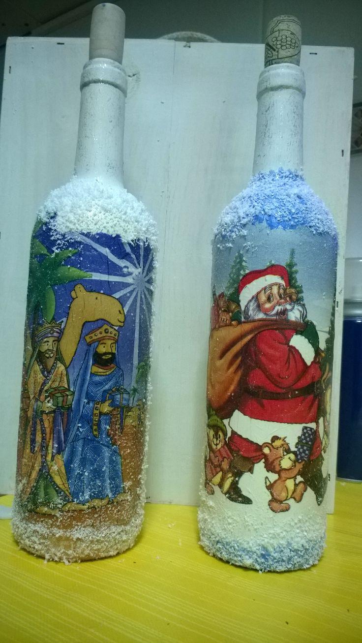 con unas botellas puedes decorar la navidad o la cocina