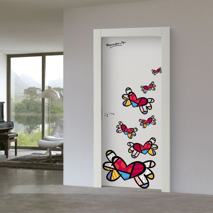 Porte decorate per trasformare le ante in un elemento d'arredo grazie a un'immagine, anche personalizzata.