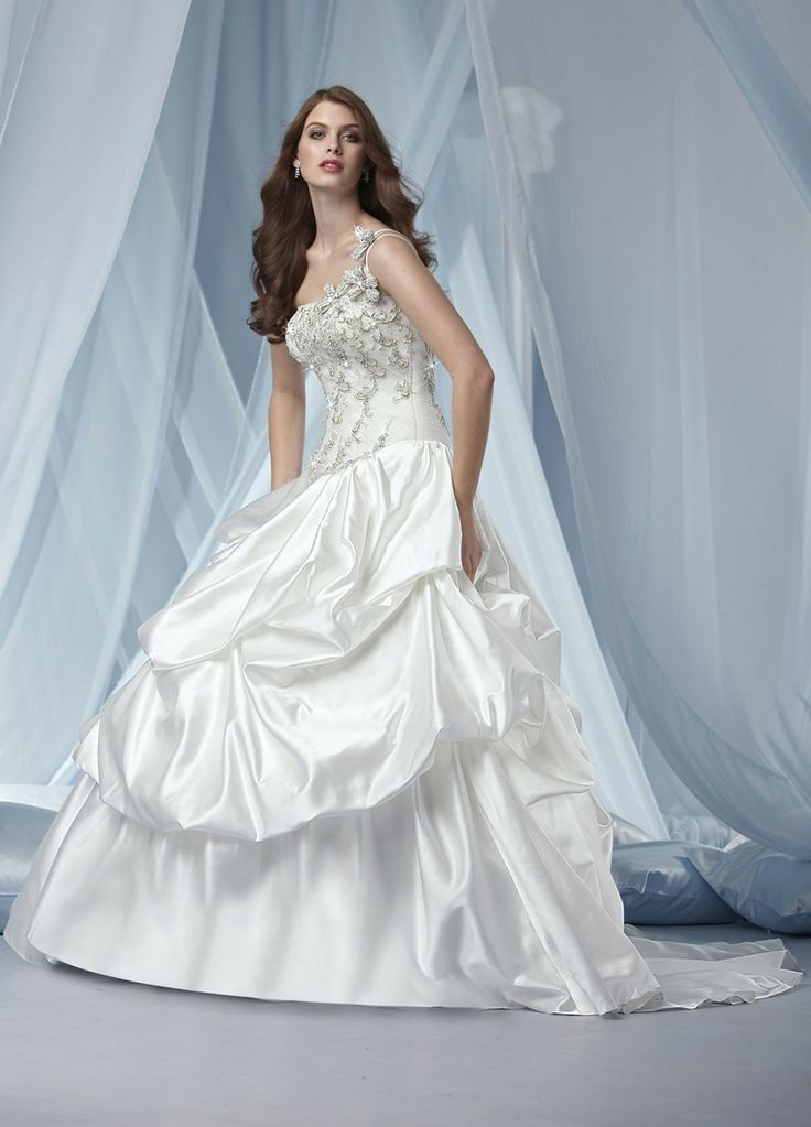 300+ best Mermaid Wedding Dresses images by Vu Elf on Pinterest ...