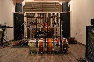drums set up