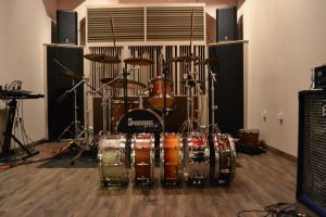 drums set up