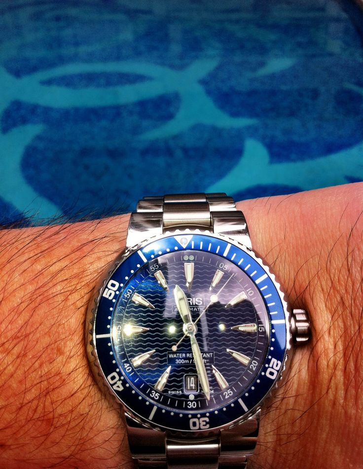 I have recently been on holidays with my wife and two young children to Hong Kong and Macau.... The pleasure I have derived from my first Oris watch has been immense and I would love to add more to my watch collection. My new Oris Diver Date blue dial and in the reflection on the dial you can see the skyscrapers of the Hong Kong skyline. A memorable trip, enjoying some of the finer things in life, good food, good company and a great timepiece. A beautiful watch that I adore.- Tony Wharton