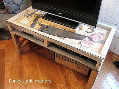 pallet wood TV media stand: Media Stands, Pallets Wood, Pallets Tables, Ships Pallets, Pallets Tv Stands, Funky Junk Interiors, Memorial Tables, Wood Creations, Men Caves