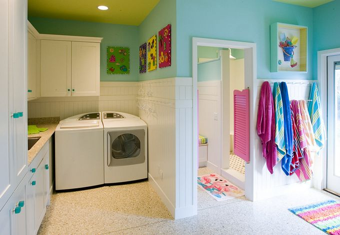 Laundry Room/ bathroom/ entryway? Whatever you want to call it, or how over the top the colors are, I think it is an idea worth considering in the right space.