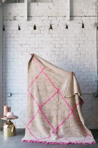 AIN'T GOIN' NOWHERE azilal vintage moroccan berber carpet