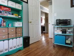 U našoj ponudi možete pronaći Flotex podove, tekstilne podne obloge, antistatik PVC i dizajnirane PVC podove za poslovne prostore.