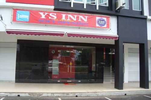 YS Inn Miri Located just 1 km away from Miri Airport, YS Inn offers a no-frills accommodation in Sarawak's coastal city of Miri. The property offers 24-hour service at the front-desk for enquiries.