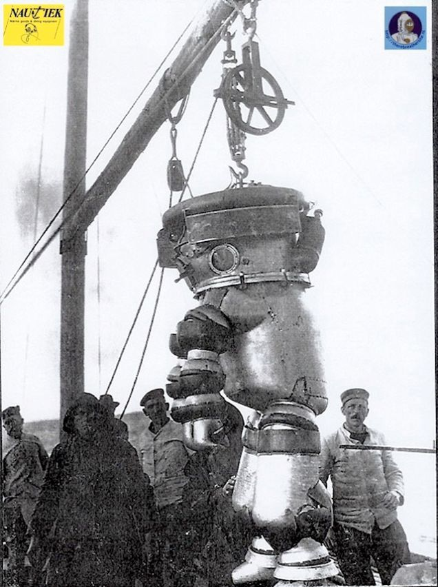 There were three generations of Neufeldt-Kuhnke suit to work in deep waters. This one is from 1917.