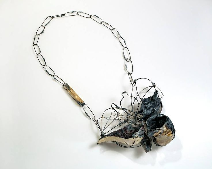 "Akis Goumas - ""... spirits of a Symposion, remnants of red wine ..."" - Necklace - Silver, copper, PVC, steel, technical mixed, threads and pigments:"