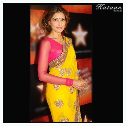 #Bipasha Basu in an amazing YELLOW saree