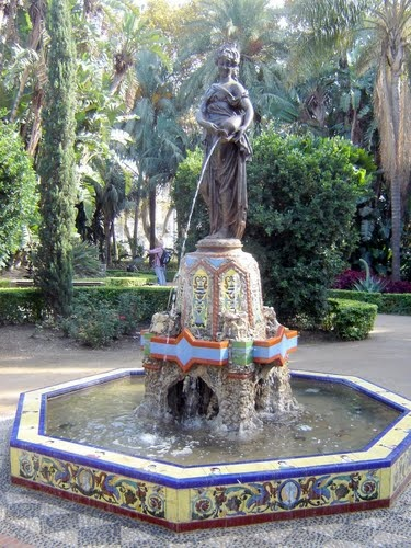 Málaga, the second largest city in Andalucía, is surprisingly attractive given its close proximity to the Costa del Sol....   full article at http://bobbovington.blogspot.com/2012/03/malaga.html