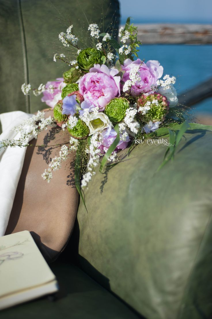 Romantic Bouquet  created by ISA 'Events for the magazine IMMAGINA         www.isaevents.it