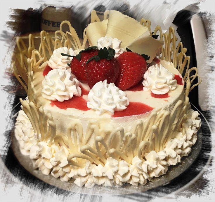 Strawberry cake for 2