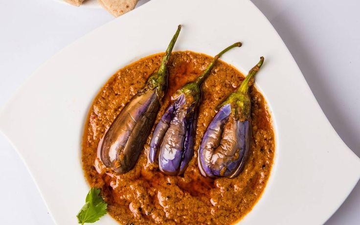 Gutti Vankaya Recipe - Andhra Style Stuffed Brinjal