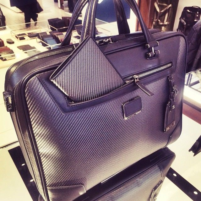 Chic luggage from @tumitravel makes for the perfect gift this #Christmas. #Trendsetter #RegentStreet http://bitly.com/1FYO1a2