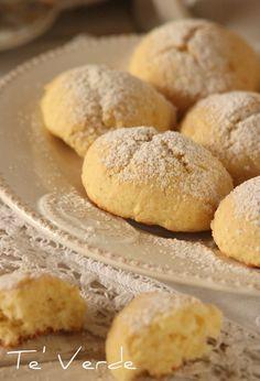 Biscotti Morbidi alla Ricotta - davvero deliziosi, adatti alle persone che non amano le consistenze croccanti, morbidi e molto delicati.