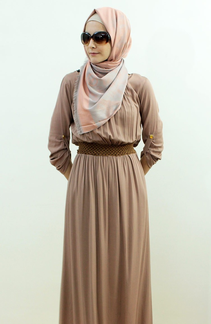 Mahra elbise pudra - love the scarf style