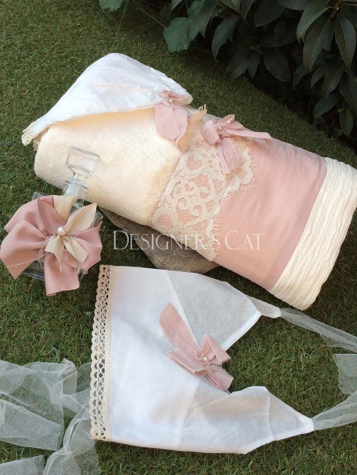 des.GIOVANA #baptism Chrisoms set #λαδόπανα #βάπτισης σετ 6 τεμ.  Κατασκευασμένα με Γαλλική #δαντέλα πάνω σε μεταξωτή φάσα στις πετσέτες και βαμβακερή τρέσα στα εσώρουχα. design by #alexandraplati #baptismclothes #christeningclothes #vaptisi #βάπτιση  #βαπτισηκοριτσιου #ladopana   http://www.catinthehat.gr/ladopana-giovana-set-2075086546.html
