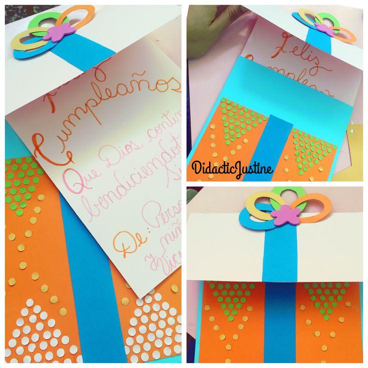 Tarjeta de cumpleaños, atractiva y con colores llamativos.