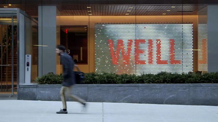 商業案例參考  A wall-sized digital artwork created from thousands of tiny screens and lenses forms the centrepiece of a major biomedical research centre in New York.  The shimmering…