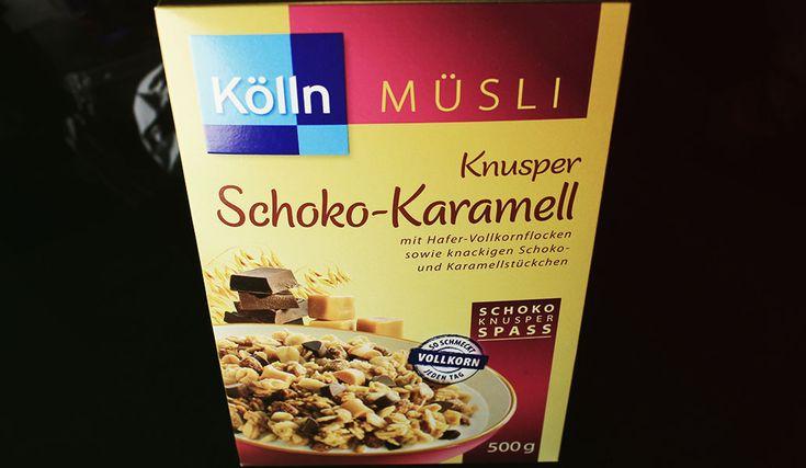 Probiert: Kölln Müsli Knusper Schoko-Karamell – Knuspriges Vollkorn-Getreideerzeugnis mit 6 % Schokolade (Kakao: 40 % mindestens) und 4 % Karamellstückchen