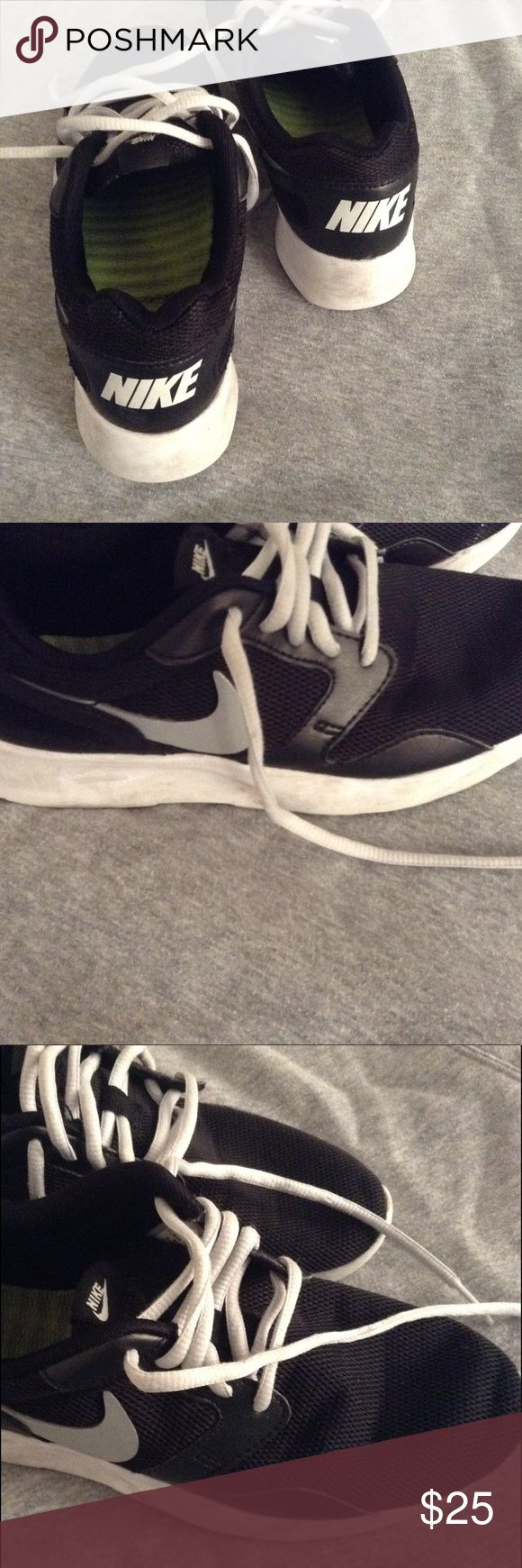Nike shoes size 6 Nike shoes size 6 in a good condition Nike Shoes Athletic Shoes