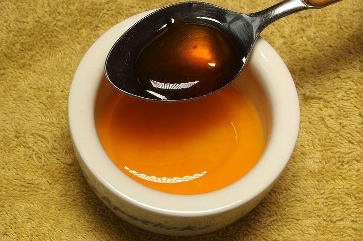 Olivenöl, Honig und Eigelb für die Haare | Frag Mutti
