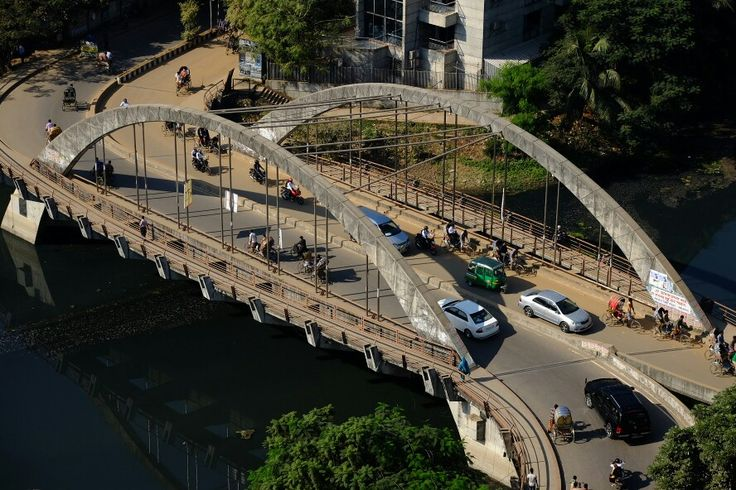 Bridge of lake shore