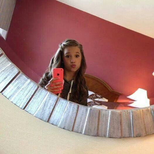 Mackenzie Ziegler selfie