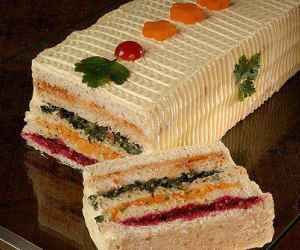 Receita de torta gelada de pão salgado - Show de Receitas
