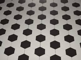 Risultati immagini per piastrelle esagonali bagno