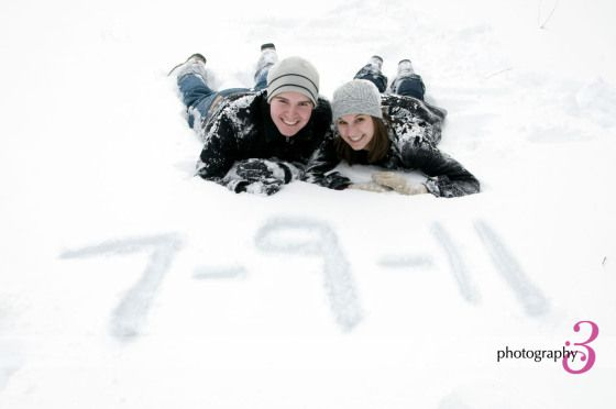 winter engagement picture ideas, snowy engagement photos, couple in snow adorable!! @momgourley