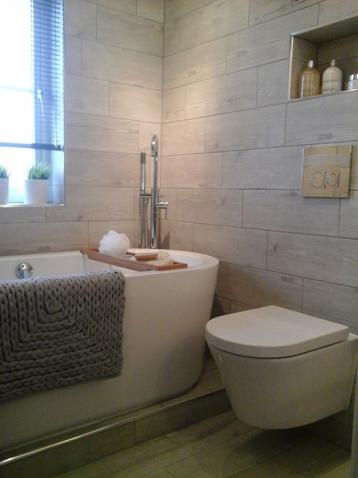 #VPShareYourStyle A wall hung toilet can create a contemporary style in your bathroom. Yvonne's from Falkirk shows us just how fantastic they look.