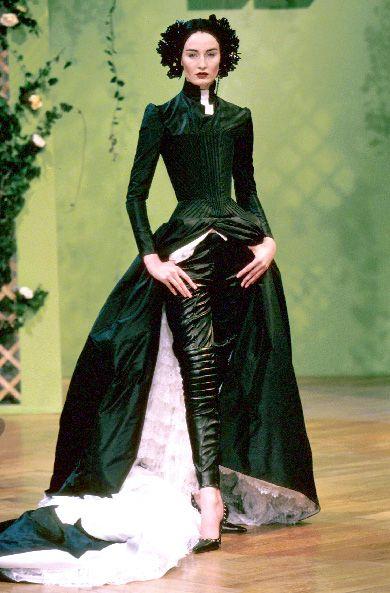 Erin O'Connor at Givenchy HC by Alexander McQueen Spring 1999