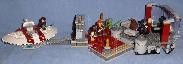 Lego 9526 - Palpatine's Arrest by Darth Ray, via Flickr