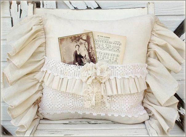vintage pocket pillow