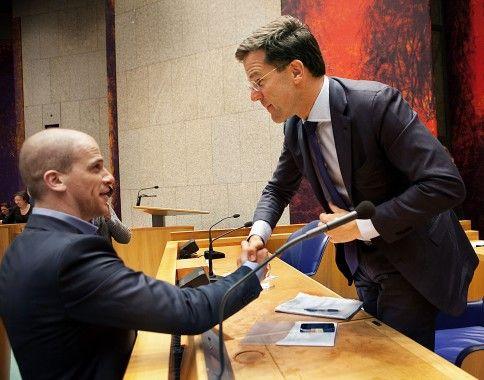 Coalitie: Samenwerking tussen partijen om een meerderheid te kunnen vormen. Bijvoorbeeld tussen de PvdA en VVD waarvan je hierboven de 2 lijsttrekkers ziet. Door: Else
