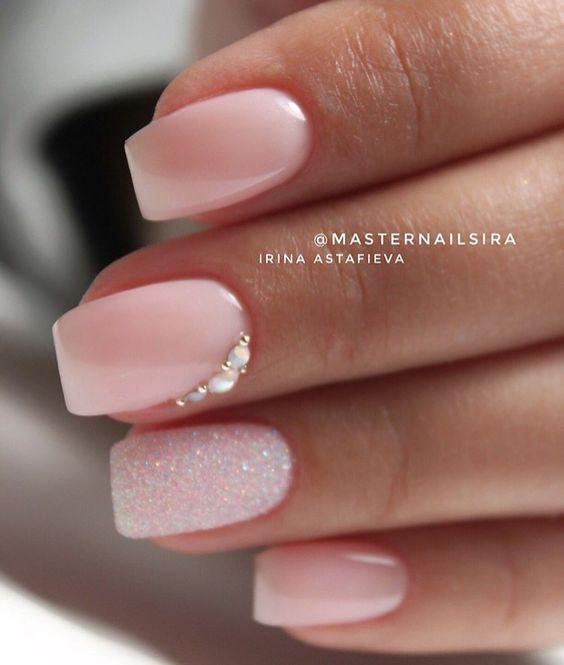 Schöner hellrosa Nagellack – Nägel – Nagelideen