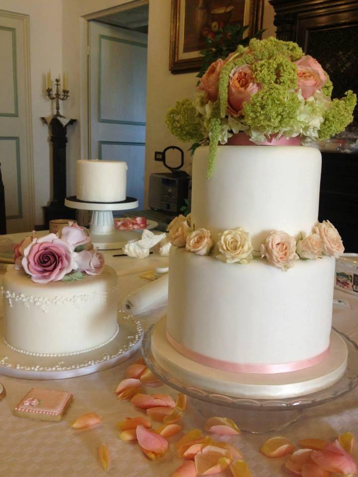 Cake design & floral art con Elena Passion Sweet & Rosa Tea fiori e altro @ElenaPassionSweet #cakedesign #weddingcake #flowercake #sugarpasteflowercake