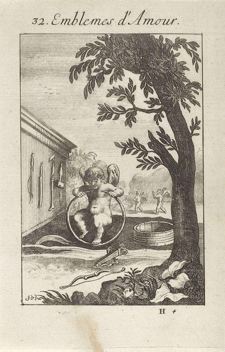 Jan van Vianen | Amor buigt een stuk hout, Jan van Vianen, 1686 | Amor buigt een stuk hout of riet, om daar een ton van te maken. Voor hem liggen zijn pijl en boog. In de liefde moet men buigzaam zijn. Tweeëndertigste embleem uit Emblemata Amatoria.