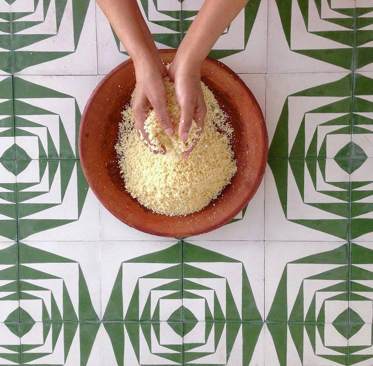 Fantasie ispirate alla #tradizione #mediterranea per ricreare unatmosfera esotica e creativa adatta agli ambienti moderni. Sono arrivate le nuove piastrelle in ceramica smaltata adatte sia in #cucina che in #bagno venite a scoprirle da #CeramicheVaccarisi Showroom - #Avola in via #Siracusa 88 http://ift.tt/2hbGm18 - #creativity #wall  #casa #art #light #interiordesign #home #inspiration #d_signers #decoration #Architecture #Sicilia #pantone #pantone2017 #design ##green #marocco #tile…
