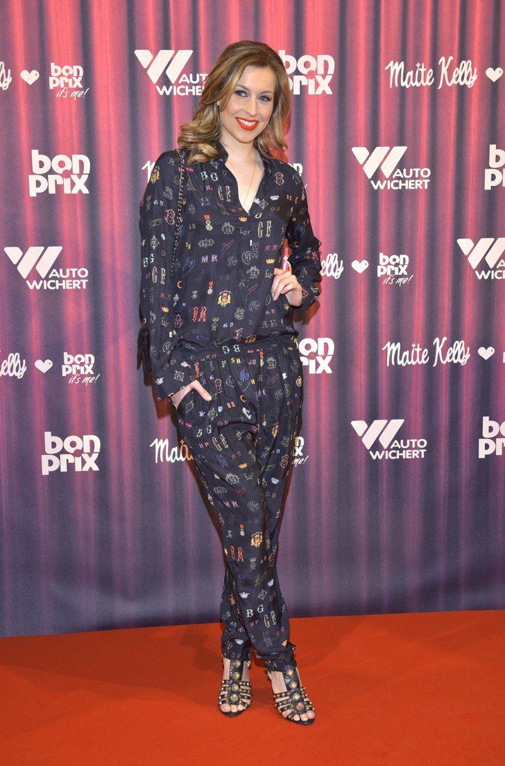 Pin for Later: Best Dressed: Die schönsten Looks der ganzen Woche Verena Kerth Die Moderatorin zeigte sich in einem gemusterten Jumpsuit bei einem Event in Hamburg.