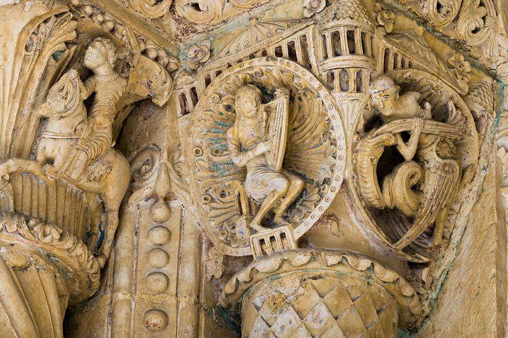 Cathedrale de Bourges, Bourges, France | Photothèque Arnaud Frich | Chapiteaux de la cathédrale de Bourges